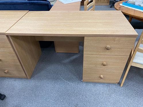 Desk (SS Office 438 D)