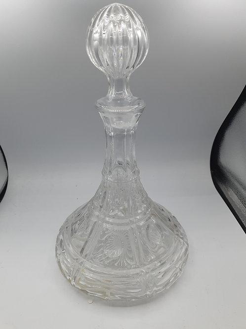 Glass decanter (A1)