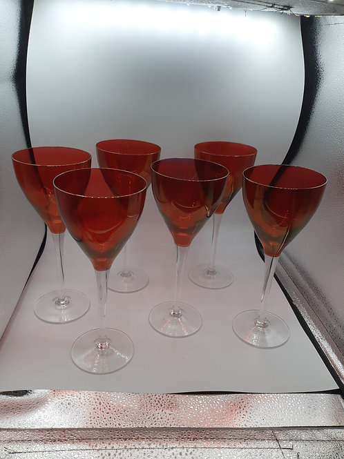 Six red wine glasses (R1)