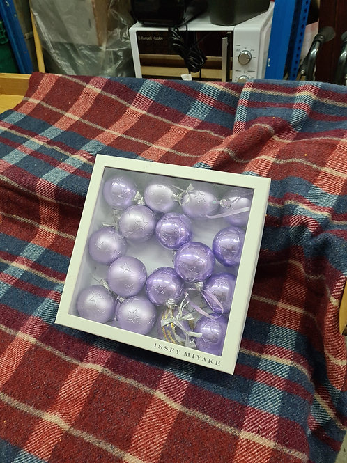 Lilac decorations (xmas 14)