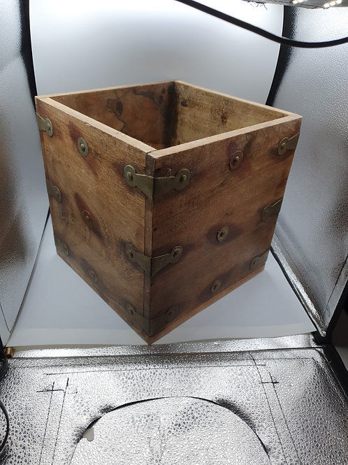 Wooden storage box (Misc)