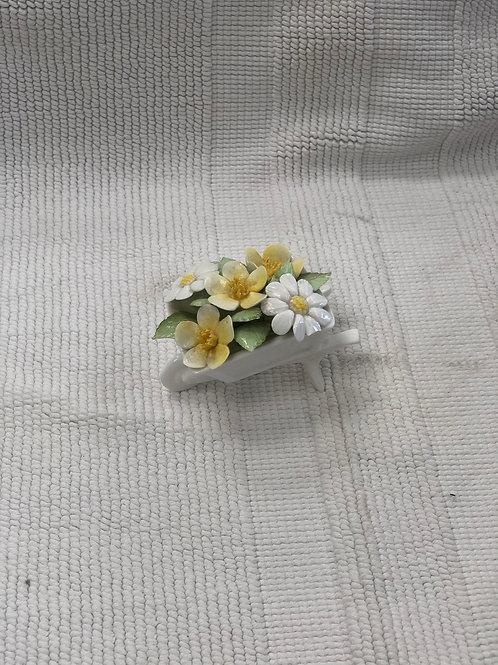 Small wheelbarrow delicate ornament  (I)