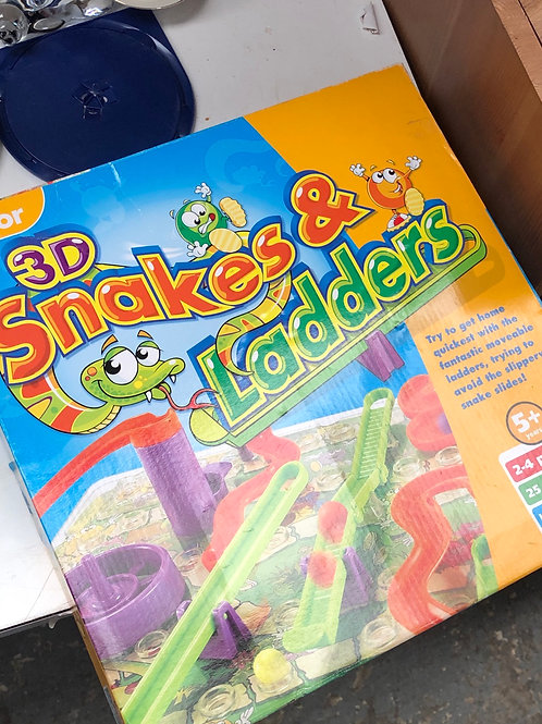 3D snakes and ladders game (0:4)
