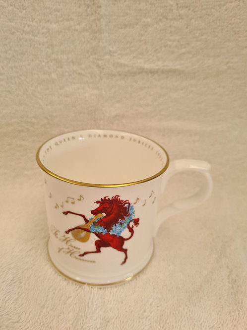 Fortnums and masons, queen's diamond jubilee mug (Q)