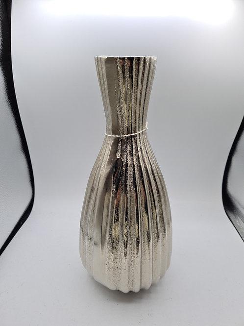 Metal vase (E)