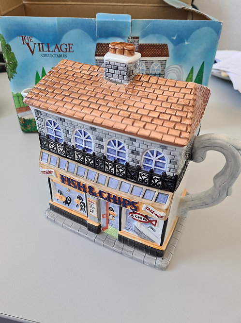 Western House collectable fish and chip shop teapot (F1)