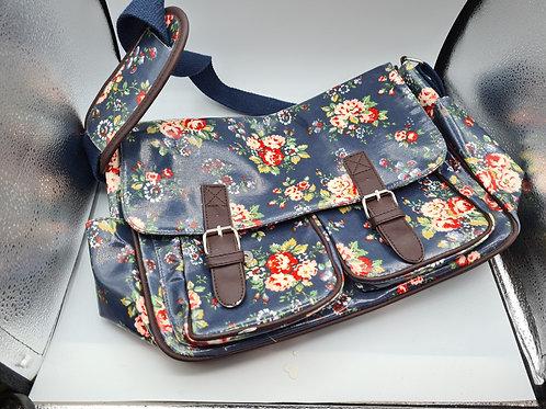 Oilcloth satchel  (F2)