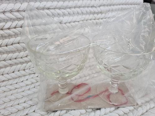 2 glasses (L1)
