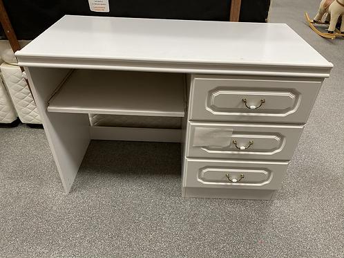 Bedroom Desk/Dresser (SS Bed 210 D)