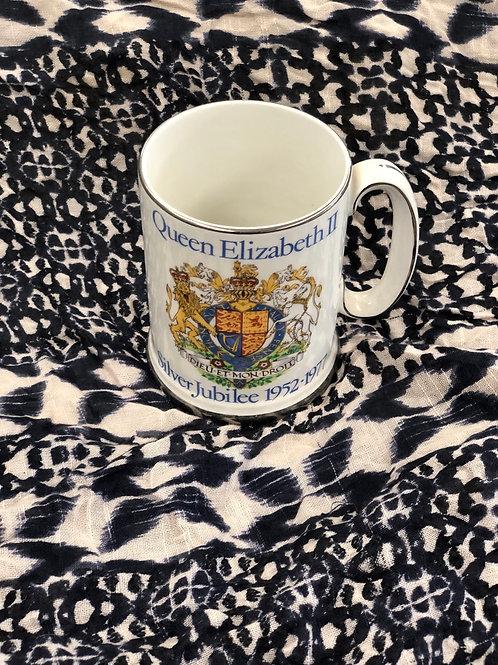Silver jubilee mug (G)