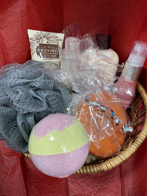 Pamper gift basket (SS gift 3)