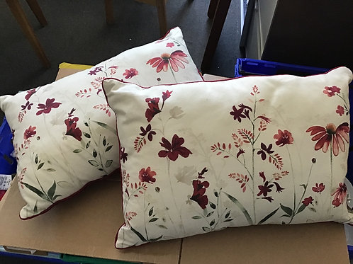 Cushions for the pair (1:1)