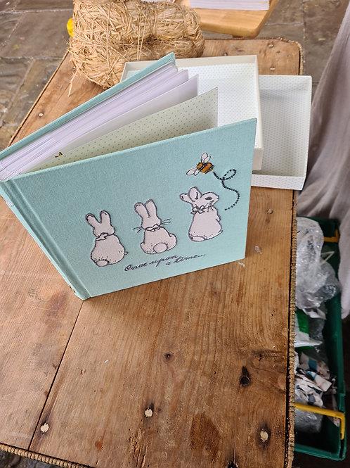 Boxed baby photo album (Z2)