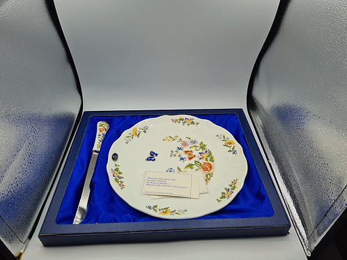 Boxed Ansley cake plate and knife (E3)