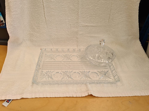 Glass dressing table set (Q)