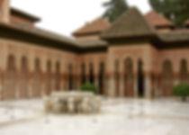 alhambra-2163527_1920.jpg