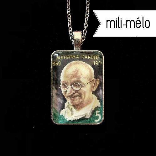 Gandhi (1969): mili-mélo