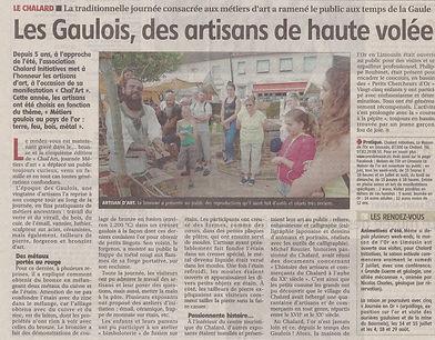 L'article de presse décrit la journée métiers d'art Chal'Art sur le thème des métiers gaulois.