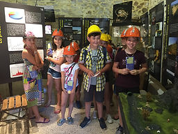 Groupe d'enfants à la Maison de l'Or