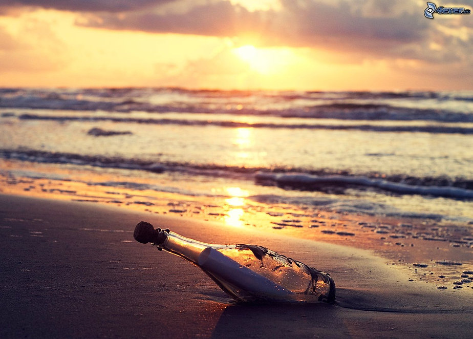 message-dans-une-bouteille,-plage,-couch