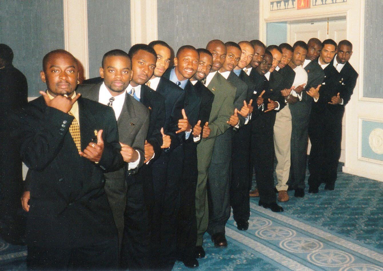 A-25 (Fall '98) and I-25 (Spr '99) lined up as a chapter in Dallas, TX at the 83rd General Conventio