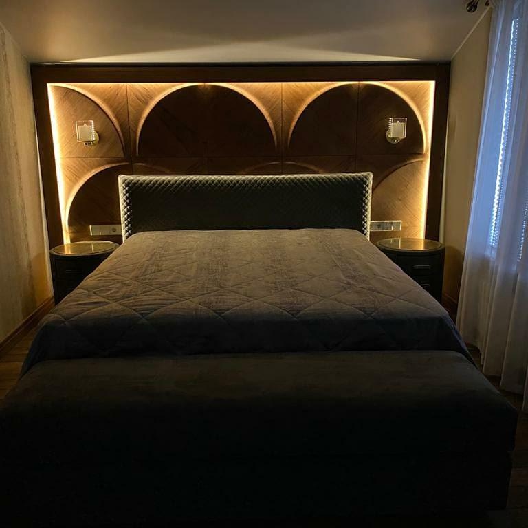 Luna Bedroom with Light