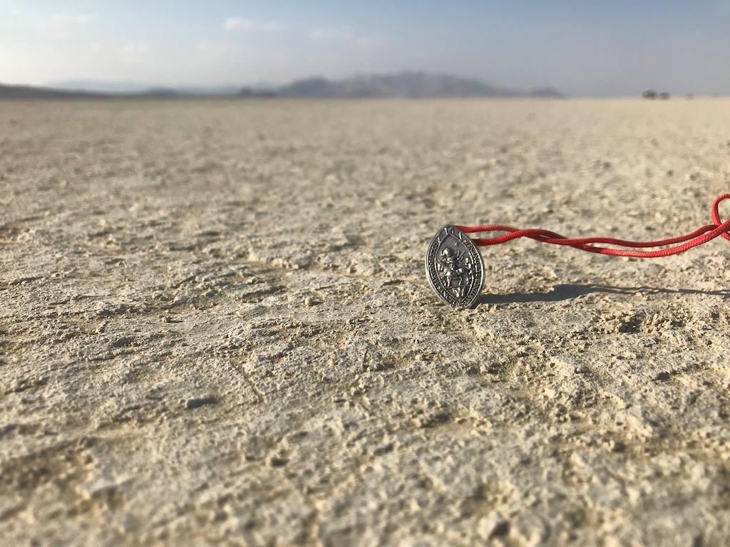La médaille de Saint-martin dans le desert du nevada