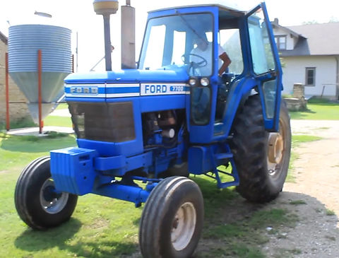 1982 Ford 7700 2WD Tractor