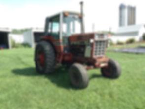 1981 International F1586 2WD Tractor.jpg