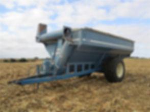 Kinze AW840 Trailed Grain Cart.jpg