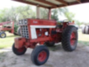 1978 International 1066 2WD Tractor.jpg