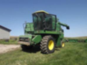 1981 John Deere 7720 Combine Harvester.j