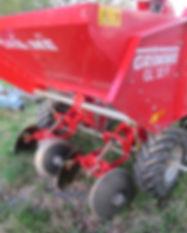 Grimme GL32F 2 Row Potato Planter 1.jpg