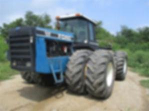 Ford 946 Versatile 4x4 Tractor 1.jpg