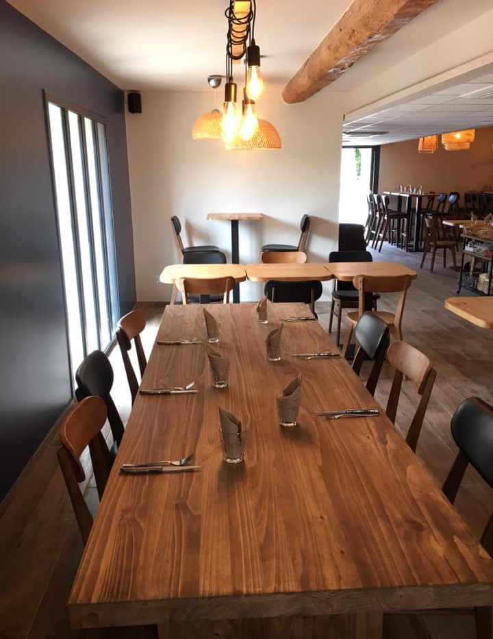 Coin bar/restaurant