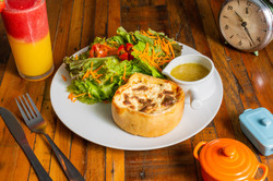 Malu Brigadeiro_Torta Malu com Salada