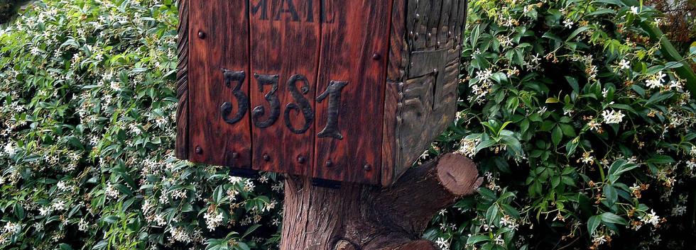 Rustic mailbox in FL