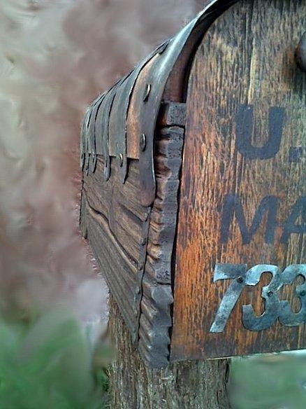 Rustic mailbox