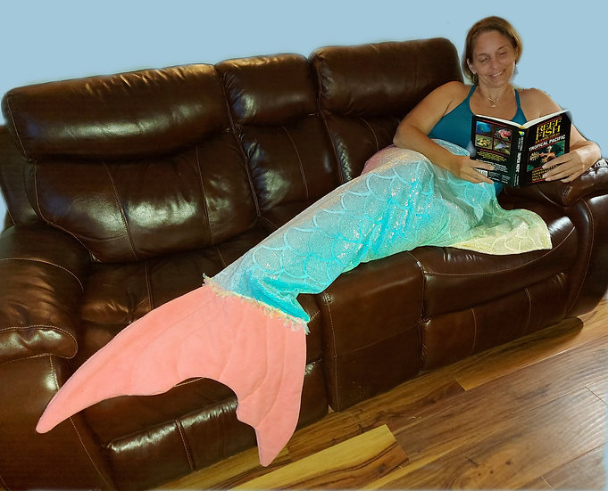 large mermaid tail blanket demo