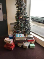 Félicitations à nos Jeannettes pour les cadeaux de Noël à destination du secours populaire de l'Oise