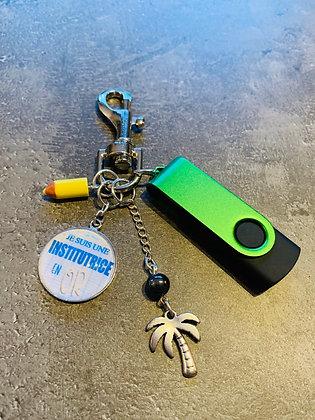 """Porte-clés """"Je suis une institutrice en or"""" + clé USB"""
