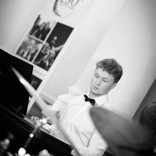 piano teacher edinburgh piano lessons edinburgh wedding entertainment edinburgh wedding pianist edinburgh