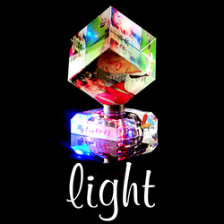 Pha lê lập phương xoay Light