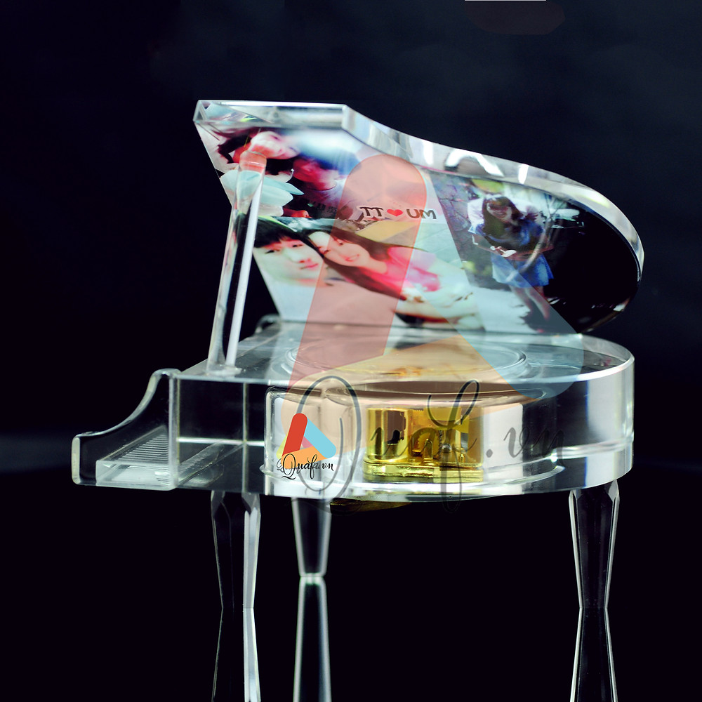 In ảnh lên pha lê đàn piano kim cương