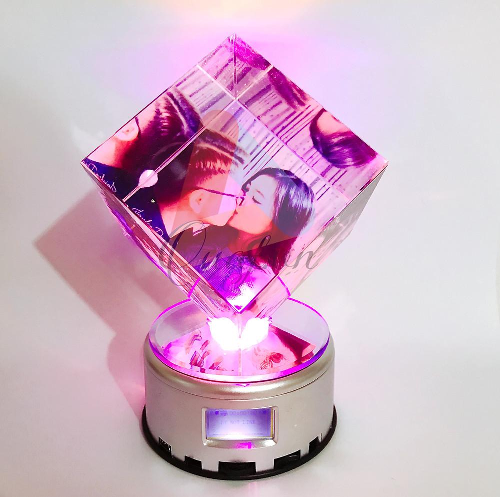 Pha lê lập phương đế đèn
