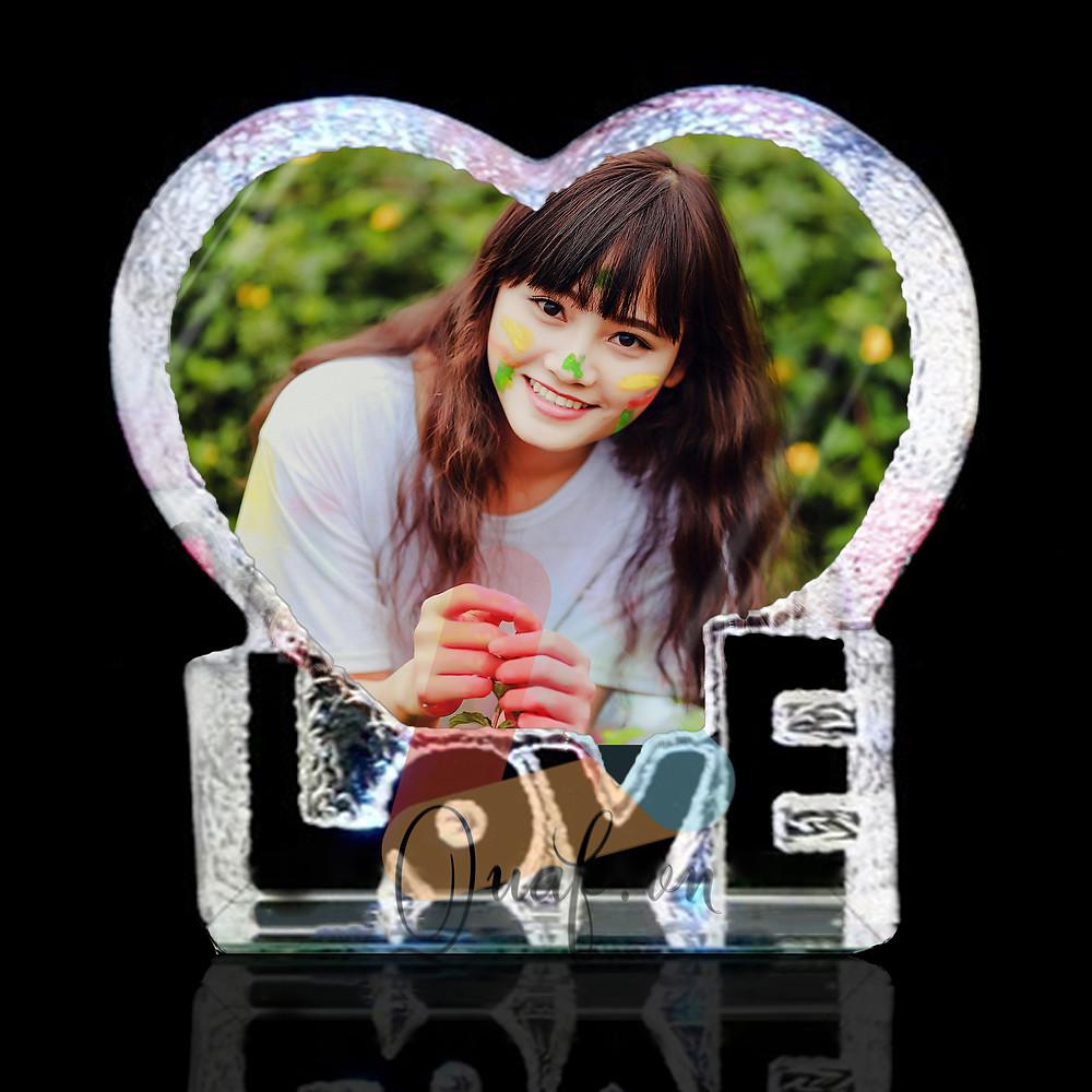 In ảnh lên pha lê trái tim chữ LOVE