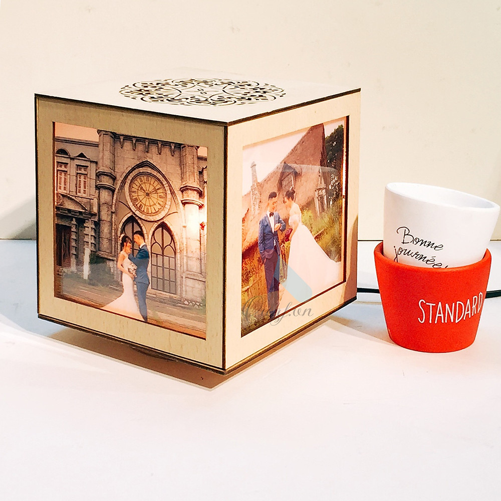 quà tặng kỷ niệm ngày cưới - đèn tranh gỗ in ảnh