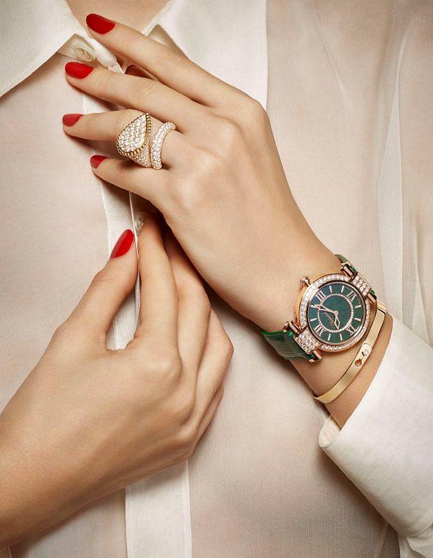 Quà tặng mẹ sinh nhật ý nghĩa nhất - đồng hồ đeo tay