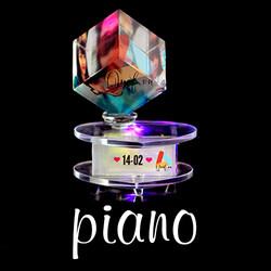 Pha lê lập phương xoay PIANO