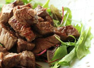 肉とベビーリーフ